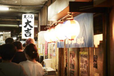 並ばずして堺の夜は語れない?深夜の名物を味わう  -堺魚市場-